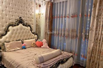 ( Căn Góc ) Tôi Cần bán căn 181m2 Toà R1 Royal City 3 phòng ngủ sáng Giá 7.5 tỷ LH TUẤN 0799998982