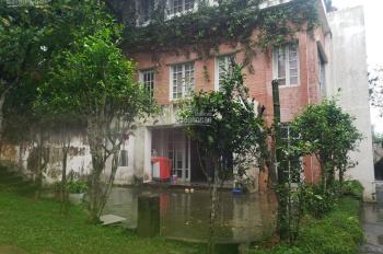Cần bán gấp biệt thự 1Ha ở Thạch Thất Hà Nội, có nhà, có ao, có cây ăn quả, view tuyệt đẹp.