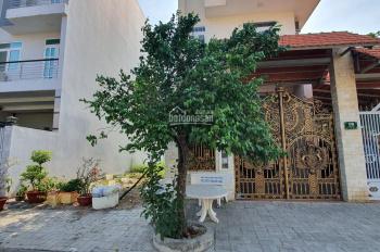 Chính chủ cần bán lô M2 100m2 đối diện trường DA Green Villas Đại Phúc giá 4,9 tỷ. LH 0909.797.786