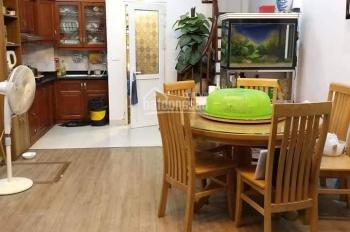 Cần bán nhà Phạm Văn Đồng, Cầu Giấy nội thất xịn, đầy đủ ở luôn. DT 30m2, 6 tầng, MT 4,3m