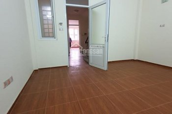 Cần bán nhà ngõ 75 Ngọc Thụy: 63m2 x 4T, 50m ra cầu Long Biên, ô tô vào nhà, chỉ 3,55 tỷ