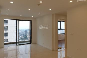 Hot! Cho thuê căn hộ 2 phòng ngủ Vinhome Trần Duy Hưng, 60m2, đồ cơ bản, view hồ, giá chỉ 12tr/th