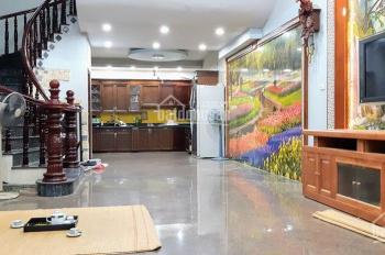 Mặt phố Nguyễn Hoàng, trục giao thông huyết mạch  kinh doanh tốt 300 triệu/m2, liên hệ 09678.83591