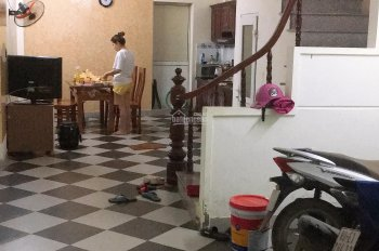 Cho thuê phòng trọ Phú Đô, DT 22m2 có ban công nhà đẹp giá 2tr/tháng - giờ giấc tự do