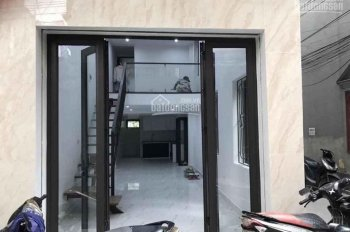 Bán nhà 2,5 tầng xây mới đẹp hiện đại đường Lê Lợi. Nhà 3 mặt thoáng, ngõ to ô tô đỗ cửa