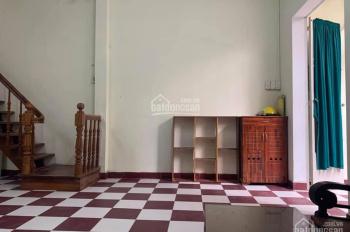 Nhà nguyên căn Cách Mạng Tháng Tám, Q10, 50m2, 1 lầu, 3PN, giá 8 triệu/th