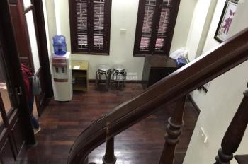 Tôi cần cho thuê nhà riêng ngõ 234 Hoàng Quốc Việt, Cầu Giấy, 40m2 x 3 tầng, đủ đồ. 7 tr/tháng