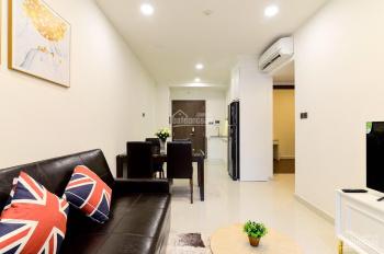 Cho thuê căn hộ Saigon Royal 2 phòng ngủ, nhà full NT, giá 18 triệu/tháng. LH: 0906.378.770
