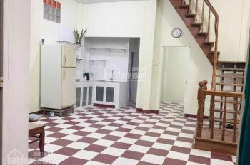 Nhà cho thuê 3PN CMT8, P13, Q10. Giá: 8 triệu/tháng