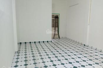 Cho thuê nhà nguyên căn Dt 4,3x13m, 1 trệt lầu, giá 8tr/th, tại hẻm 235 Nghĩa Phát, P. 6, Tân Bình