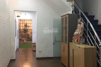 Cho thuê nhà mặt ngõ Huế - Phố Huế, DT 60m2 x 4 tầng + sân sau 20m, mặt tiền 4m, nhà mới, đẹp