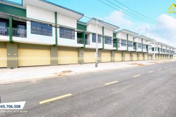 Cho thuê nhà mới trong khu biệt thự, có chợ, trường mẫu giáo, công viên bờ sông và hồ bơi .
