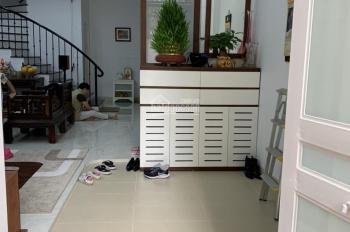 Cho thuê nhà riêng full đồ, 3 phòng ngủ nhà mới xây tại phố Ngọc Hà 50m2 x 4,5 tầng, giá 20tr/th