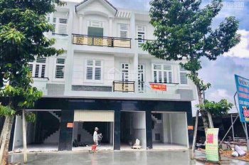 Bán nhà mặt phố 1 trệt 2 lầu khu đô thị Bàu Bàng, Bình Dương