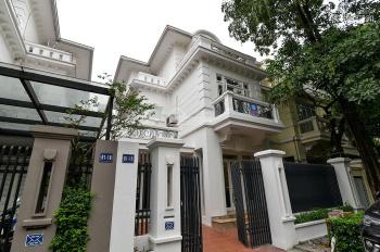 Biệt thự 5 phòng ngủ, nội thất hiện đại khu đô thị Ciputra cho thuê