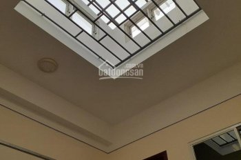 Chính chủ cần cho thuê nhà gần công viên Đầm Sen, đường Hòa Bình giá 12tr/tháng. LH 0909 519 399