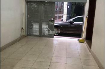 Chính chủ cho thuê nhà riêng ngõ 61 Hoàng Cầu. DT 75m2 x 5 tầng, MT 7,5m2, giá thuê: 35 triệu/th