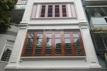 Nhà mặt tiền đường Sư Vạn Hạnh, P.10, quận 10, DT: 4x20m, giá: 35 triệu / th, Trệt + 2 lầu