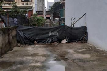 Bán đất lô góc ở Bình Minh ngã tư Trâu Quỳ 62m2 đường oto tránh nhau, KD tốt giá 2,3 tỷ
