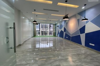 Cho thuê gấp văn phòng ngõ 28 Nguyên Hồng sàn mới ngõ to. DT: 100m2/ tầng, giá thuê 16 tr/ tháng
