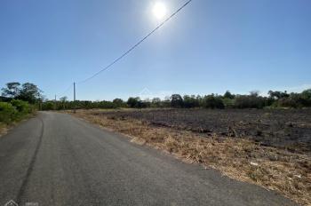 Bán lô đất ngay xã Hòa Hiệp DT: 1000m2 - đường trải nhựa - giá bán nhanh chỉ 400 tr sổ hồng riêng