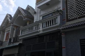 Bán nhà 1 trệt 2 lầu có sân thượng đường Lê Hồng Phong, Dĩ An, Bình Dương