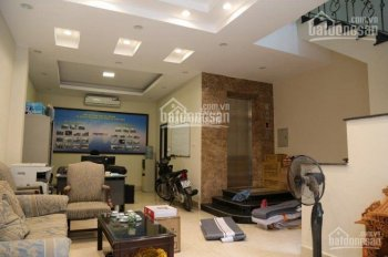 Chính chủ cho thuê nhà riêng ngõ 33 Đốc Ngữ. DT: 50m2 x 5 tầng nhà mới giá thuê 28 triệu/ tháng