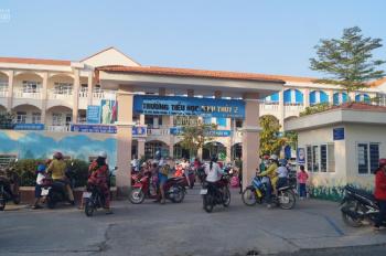 Nền đối diện cổng trường tiểu học Bình Thuỷ 2 - Stella Mega City