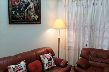 Bán căn hộ đẹp 90m2, full nội thất, ngay trung tâm Sài Gòn