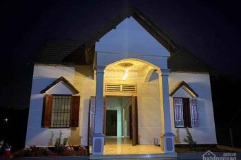 Bán biệt thự đường Cao Bá Quát, Chơn Thành, Bình Phước LH 0387 40 50 95 gặp Như