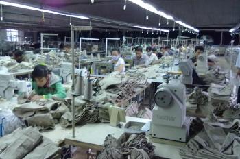 Sang gấp xưởng đang làm may tại quận 12 DTKV 9.800m2, sang toàn bộ máy móc