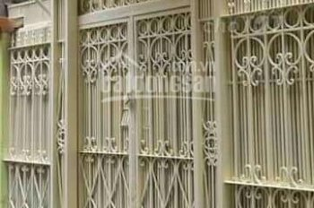 Cho thuê nhà riêng nguyên căn ngõ 1160 đường Láng, Đống Đa, Hà Nội. DT 58m2x3,5 tầng