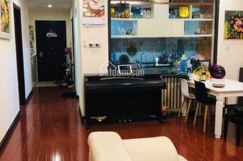 Bán cắt lỗ căn hộ cao cấp Royal City 3PN, ban công Đông Nam, giá tốt nhận nhà ngay