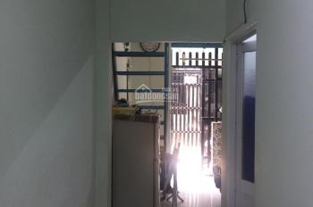 Nhà hẻm ba gác 39m2 vuông vức, không mộ, không đâm đường, giá 2,4 tỳ