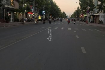 Bán gấp nhà mặt tiền đường Cao Lỗ vị trí đẹp đối diện trường Nam Sài Gòn, DT 100m2, giá 14tỷ TL