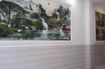 Bán nhà Quận Bình Thạnh HXH, nhà cấp 4: DT: 4 x 19m, giá chỉ: 8 tỷ. LH: 0932155399