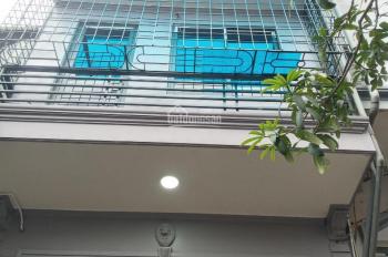Cho TN ở + BHOL tại Gốc Đề 4 tầng x 35m2, 4 PN, 2 ĐH, ngõ rộng, gần ô tô đỗ. Giá: 8 triệu/tháng