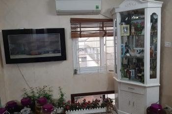 Giảm giá bán nhanh nhà mặt phố Nghi Tàm - Hồ Tây, 50m2 x 5 tầng, giá chỉ 8 tỷ. LH 0355823198