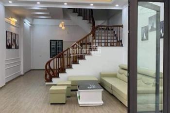 Bán nhà 3 tầng mới, đẹp cực kì kiên cố phố Vũ Hựu chỉ 1,75 tỷ