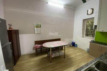Cho thuê nhà riêng ở Hoàng Hoa Thám 70m2x3,5T MT 8m full nội thất sân vườn giá 15tr/th, 0968063506