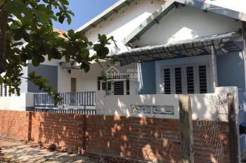 Cho thuê nhà nguyên căn hẻm Đặng Lộ, Vĩnh Hải, Nha Trang, 140m2 5 triệu/tháng