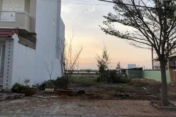 Cần bán lô F26 đường Nguyễn Bá Lân, dự án Decoimex khu Bến Đình, P9, DT 189m2. DT: 0937101279
