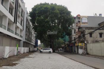 Bán nhà phố 2 mặt tiền tiện kinh doanh buôn bán ngay mặt đường Đức Giang, Ngô Gia Tự