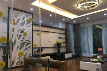 Bán nhà phân lô ngõ phố Cát Linh 55m2 x 5T, ngõ 2 ô tô, giá 7.7 tỷ, ô tô vào nhà. Lh 0988494856