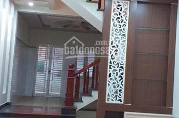 Cần bán 7 căn nhà, ngõ nông rộng 6m toàn tuyến, thuộc tuyến đường Nguyễn Văn Linh, mặt tiền 4.2m