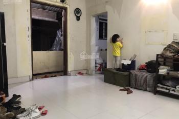 Cần bán căn hộ tập thể tầng 5, C4 Quỳnh Mai