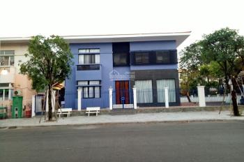 Cần cho thuê gấp biệt thự Mỹ Văn 2, PMH, Q7 nhà đẹp, giá rẻ nhất. LH: 0917300798 (Ms.Hằng)