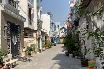 Cần bán nhà đẹp mới xây ngay trung tâm thị trấn Nhà Bè 1 trệt 2 lầu, ST, DTXD 73m2. Chỉ 5.6 tỷ
