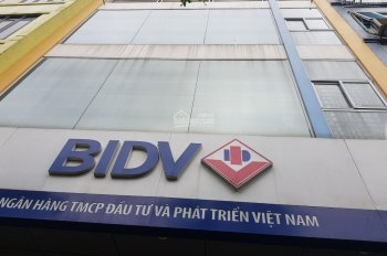 Cần bán gấp nhà giảm 500tr, căn nhà MP Yên Ninh 70m2 - 3 tầng - mặt 5m, vỉa hè rộng 3m. 25 tỷ