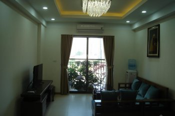 Cho thuê căn hộ B4 Kim Liên, DT 80m2, 2 PN, full nội thất, giá cho thuê 12 tr/th, LH: 0988138345